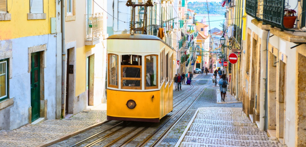 The Meetings Space: Summer 2021 :::: 1 - 3 July 2021 :::: EPIC SANA Marquês :::: Lisbon, Portugal<br>Seriously good one on one events for meetings and incentive business © Shutterstock / Nella